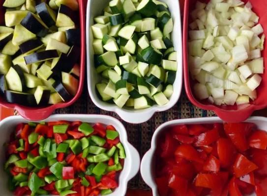 Cubes de légumes pour la ratatouille