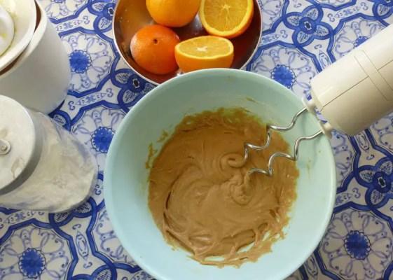préparation du cake à l'orange
