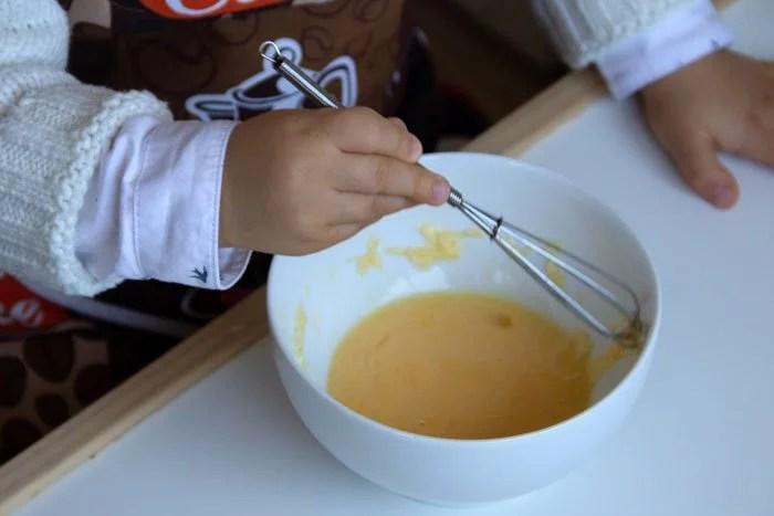 Fouetter l'omelette