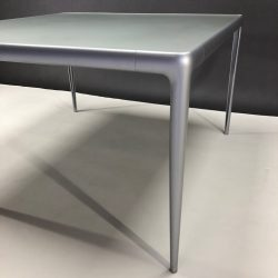 Table Flat Egg Philippe Starck Driade