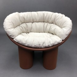 Fauteuil Roly Poly chocolat avec coussin crème Faye Toogood Driade