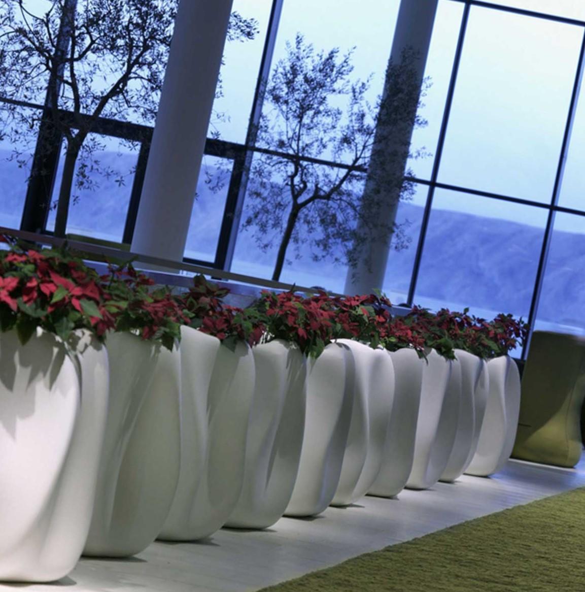 Vasi moderni per chi cerca. Vendita Vasi Di Design Per Piante A Como Linea Verde