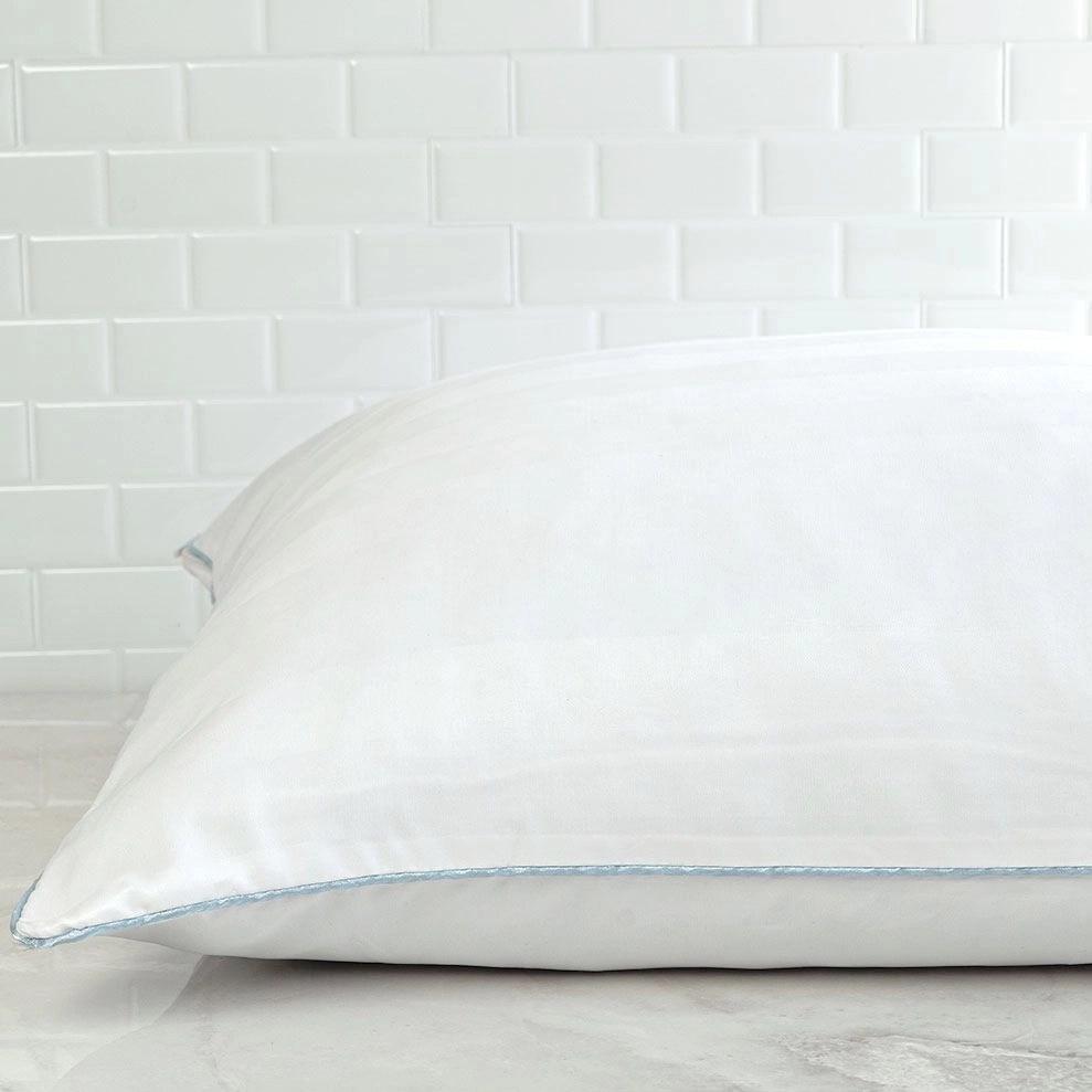 cluster memory foam pillow