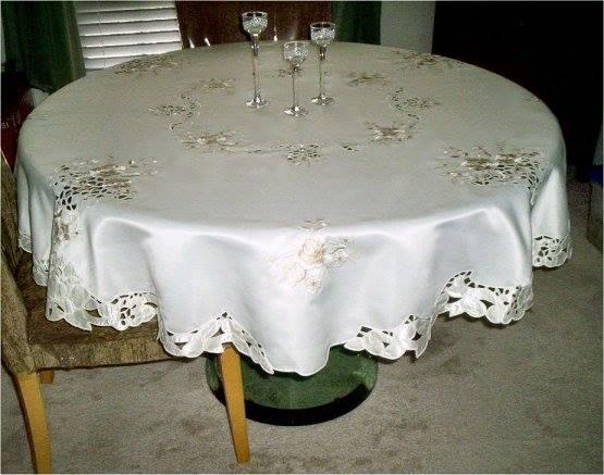 embroidered roses round tablecloth