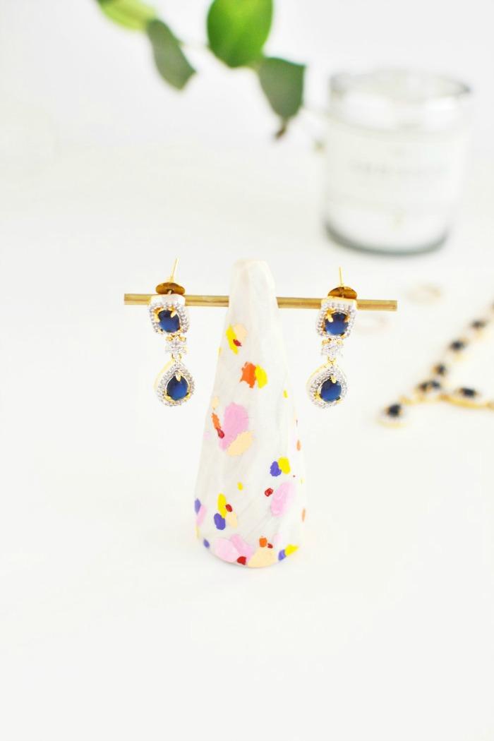 diy splattered brass earring holder
