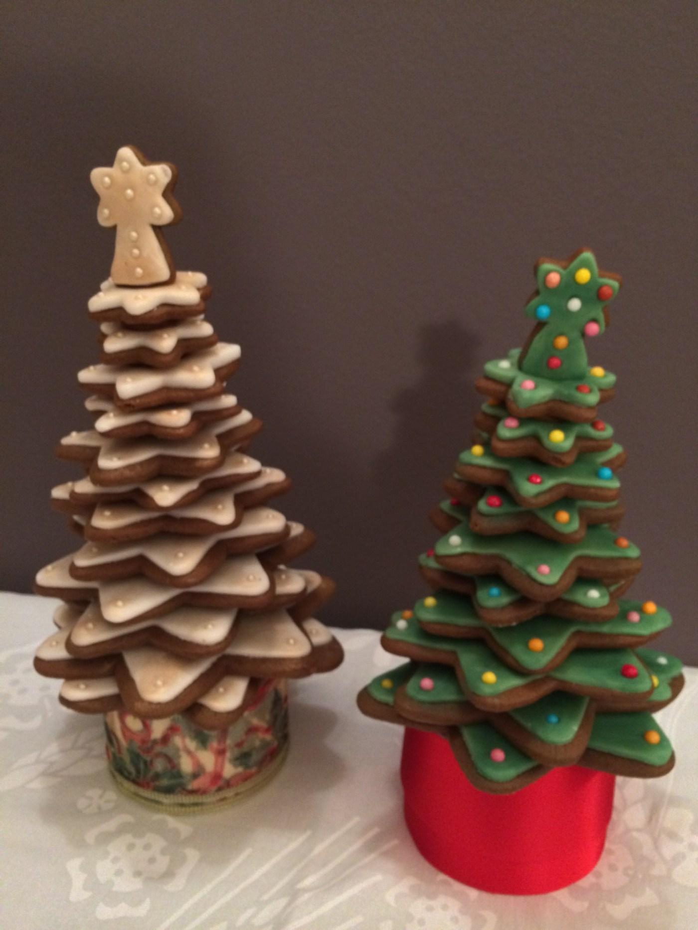 Biscotti Decorati Per Albero Di Natale.Biscotti Decorati Alberi Di Natale Lingicake