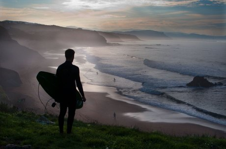 aa30-bg_surfing_euskadi