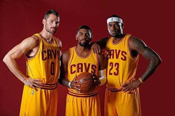 "Kevin Love, Kyrie Irving e LeBron James. O ""Big Three"" vive fase espetacular"