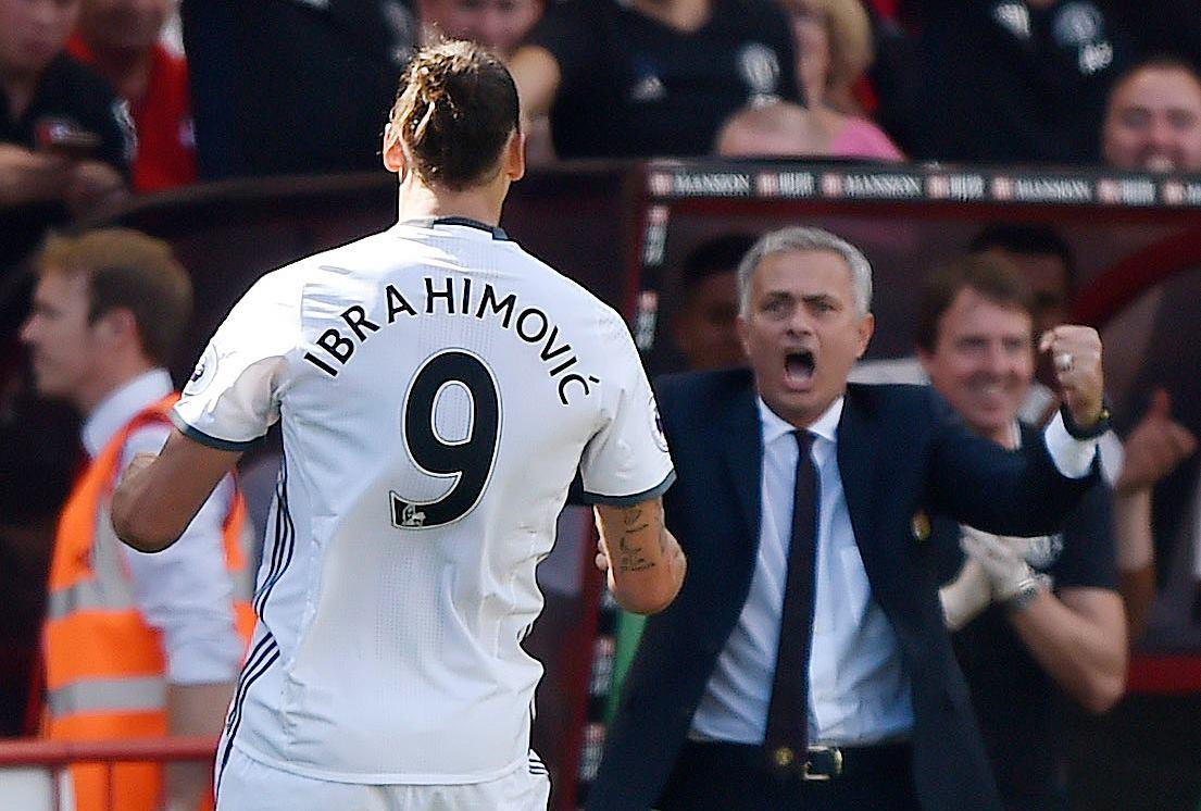 Zlatan marcou na estreia e deixou o professor Mou feliz, mas quem roubou a cena mesmo foi Juan Mata. E olha que o espanhol jogava pouco sob o comando de Louis Van Gaal...
