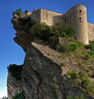 Castle in Chieti, italy. Linkavel Chieti Ventre bus