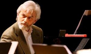 foto articolo musica pianista