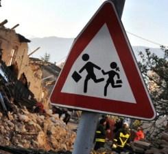 foto articolo scuole a rischio