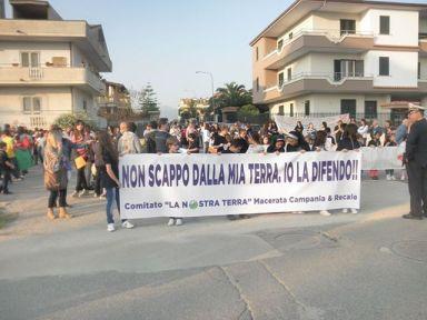 MACERATA CAMPANIA LOTTA PER DIRE STOP AI ROGHI