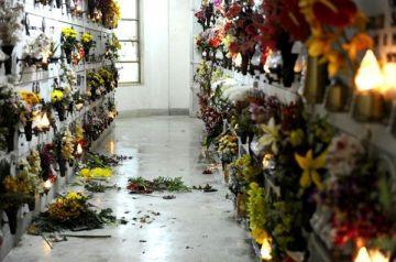 Scandali e racket al Cimitero di Secondigliano