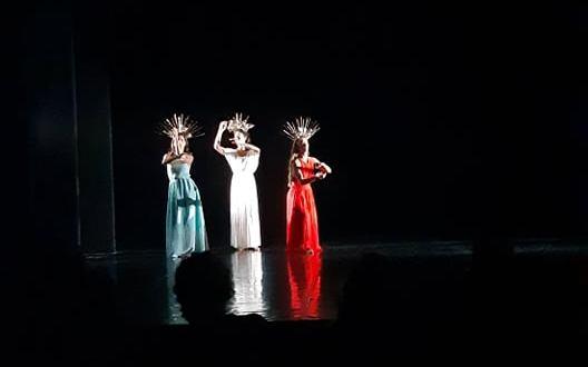 """La bellezza divina regna al Teatro Bellini. """"Divine"""" in scena dal 15 al 17 ottobre."""
