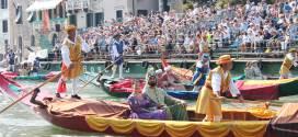 La Regata Storica di Venezia il Canal Grande palcoscenico di sport arte e folclore