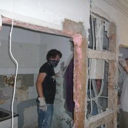 Wand wird abgetragen