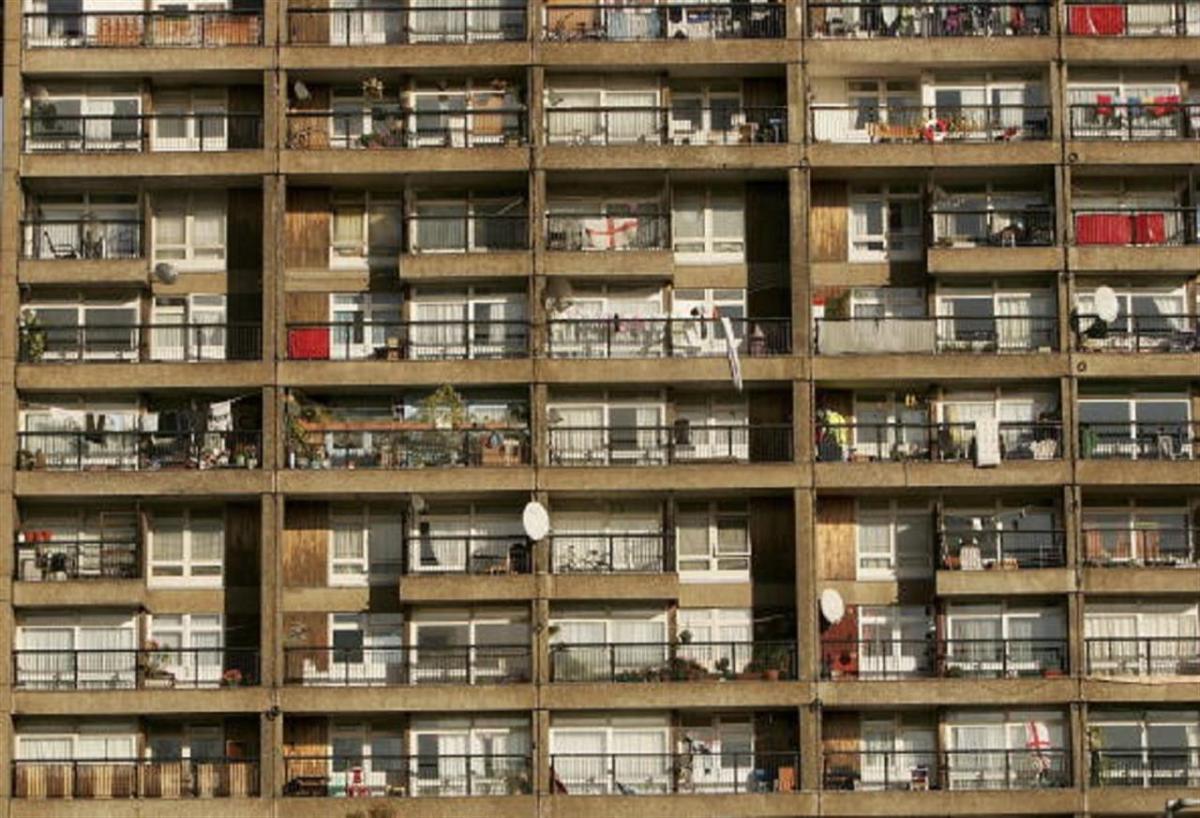 Alzare Un Piano Casa milano, il piano per gli sfratti non va. ma la giunta