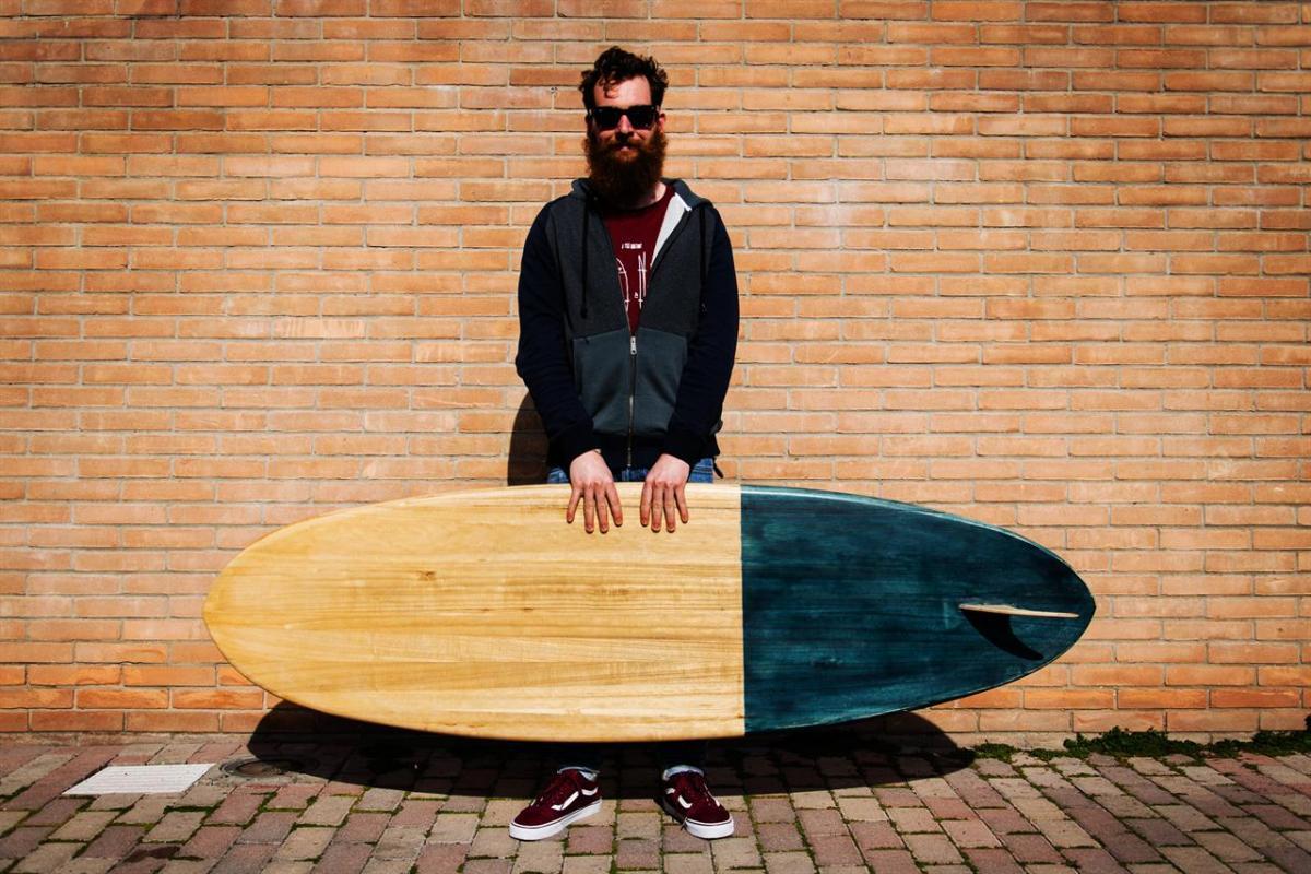 No Made Boards I Surfisti Artigiani Che Hanno Fatto Incontrare Le Onde E Il Legno Linkiesta It