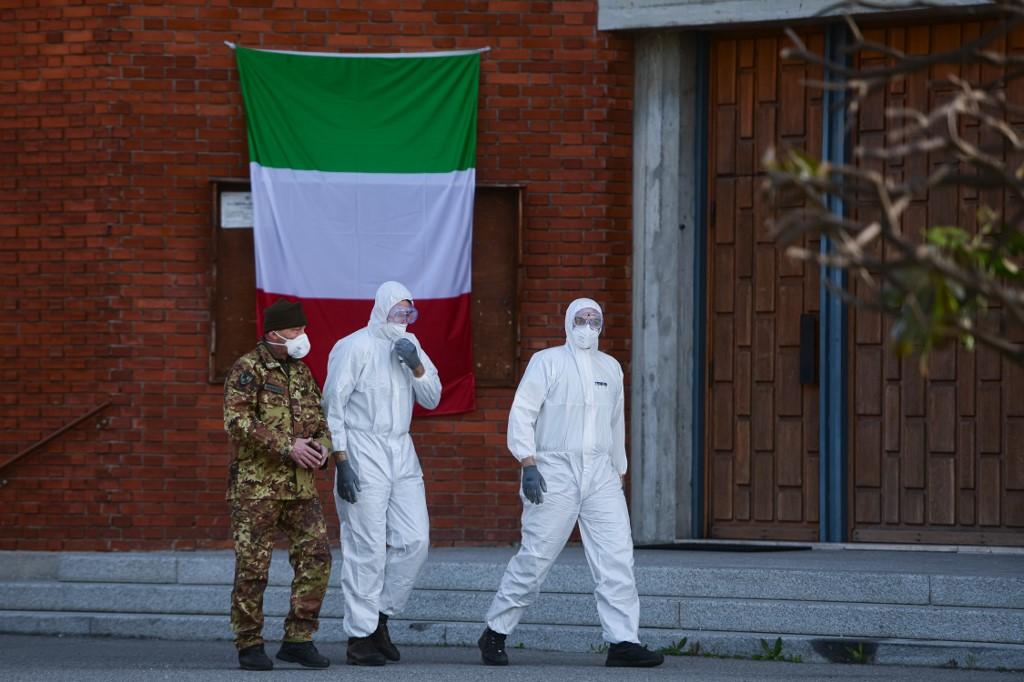 Il governo vuole far uscire l'Italia dalla quarantena dopo Pasqua, ma non sa ancora come