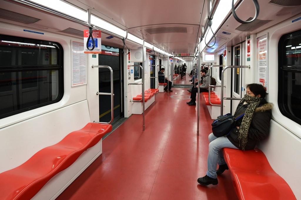ragazzi paffuti nella metropolitana come ottenere unerezione prima del rapporto