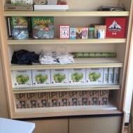 L'étagère mutualisée au Sweet Café, avec Aurora Games et PeliMyyMälä