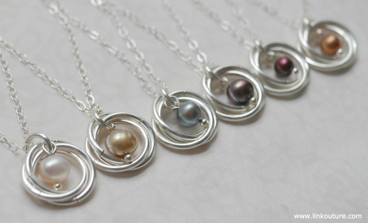 How to make a bead and spiral necklace