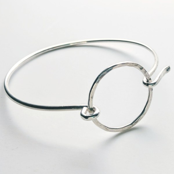 Minimalist hammered circle sterling silver hook bangle bracelet