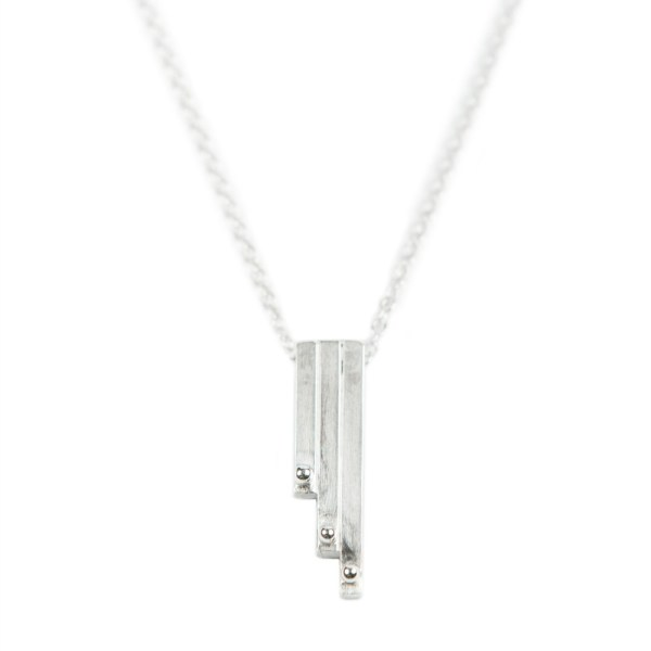 Triple bar pendant necklace