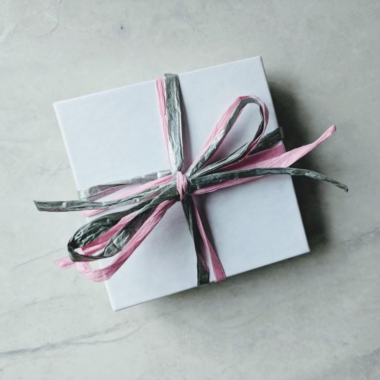 linkouture minimalist eco-friendly wrapping