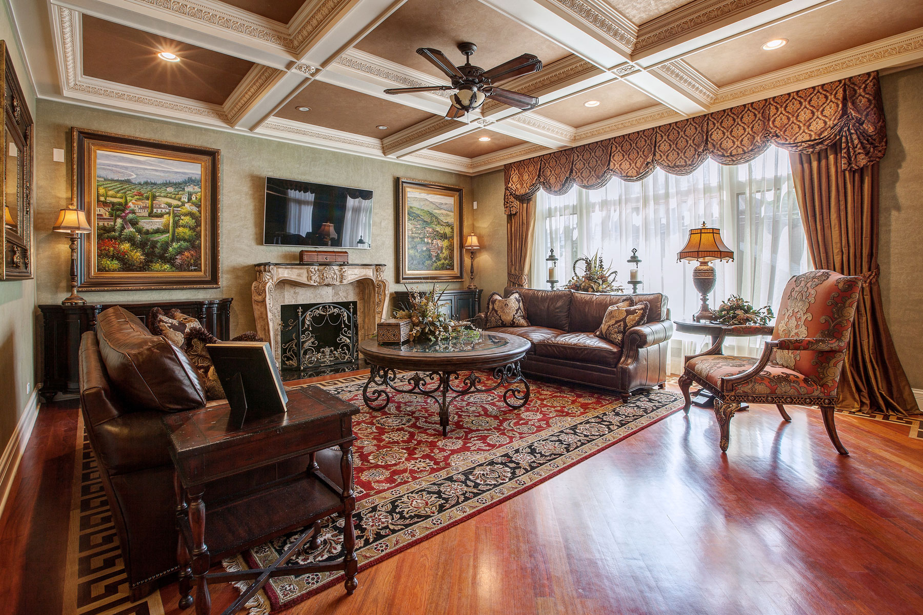 Living Room and Family Room Design - Linly Designs on Room Decor Photos  id=33751