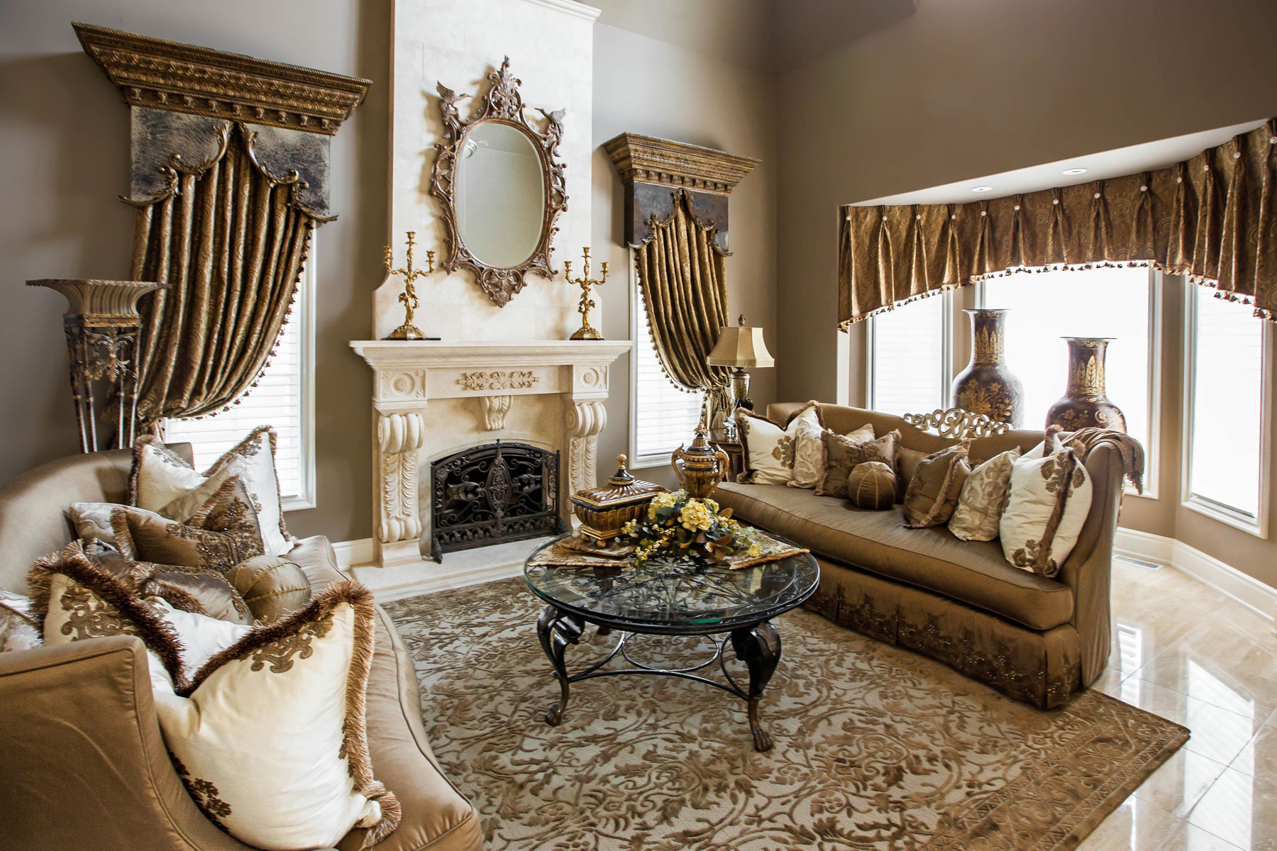 Living Room and Family Room Design - Linly Designs on Room Decor Photos  id=79019