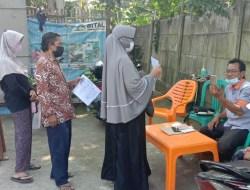 Penyaluran BST Di Desa Cibugel Kecamatan Cisoka Berlangsung Dengan Protokol Kesehatan Yang Ketat.