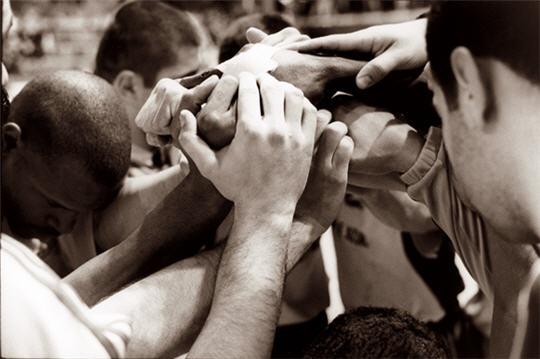 https://i1.wp.com/www.linternaute.com/sport/diaporamas/livres/vivre-le-sport/images/solidarite.jpg