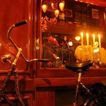 le quartier rouge d'amsterdam est connu pour son ambiance libertaire... mais pas