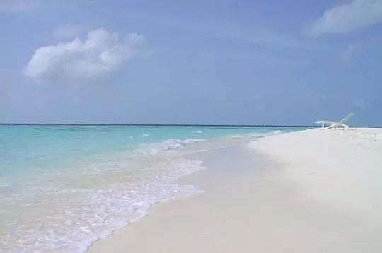 aux maldives, la plage de thulhaagiri.