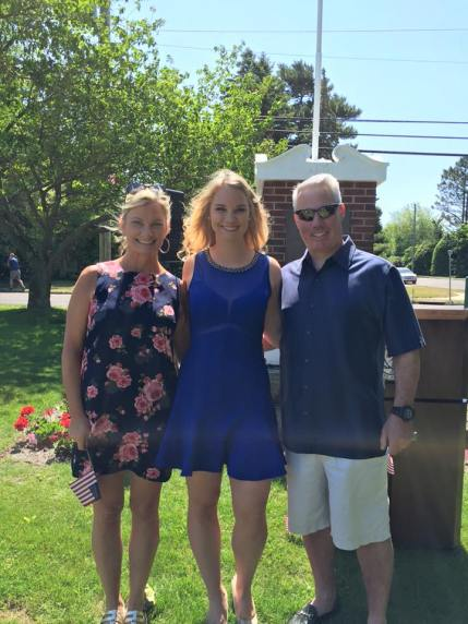 Samantha Reynolds and her parents Inger and Michael