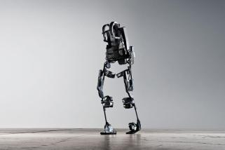 4 Applications Of Powered Exoskeletons