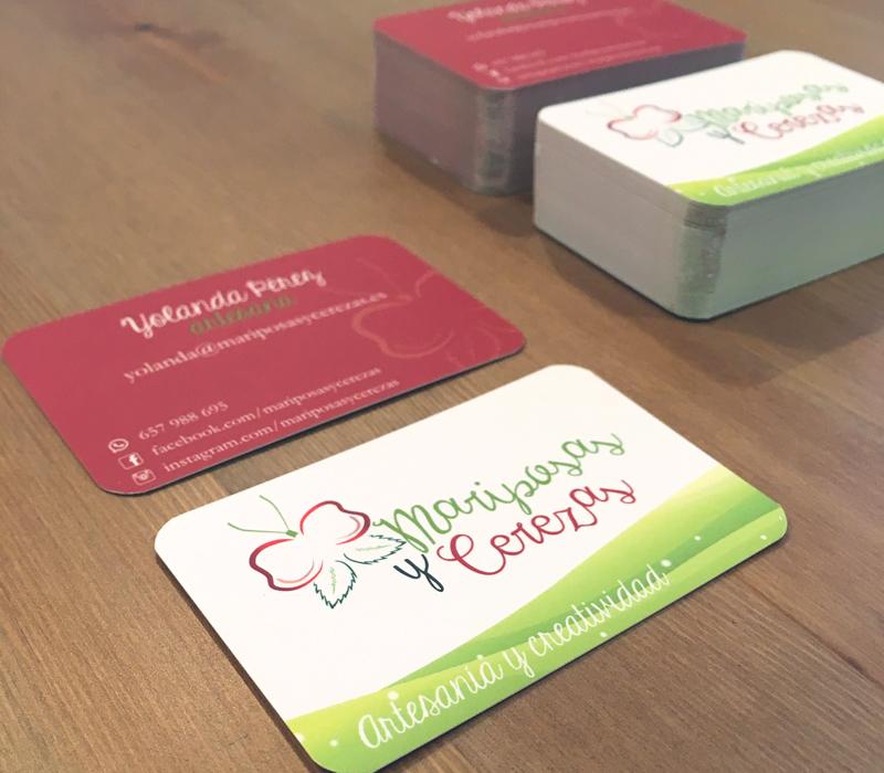 Diseño e impresión de tarjetas corporativas para Mariposas y Cerezas - Lion Comunicación en Zaragoza