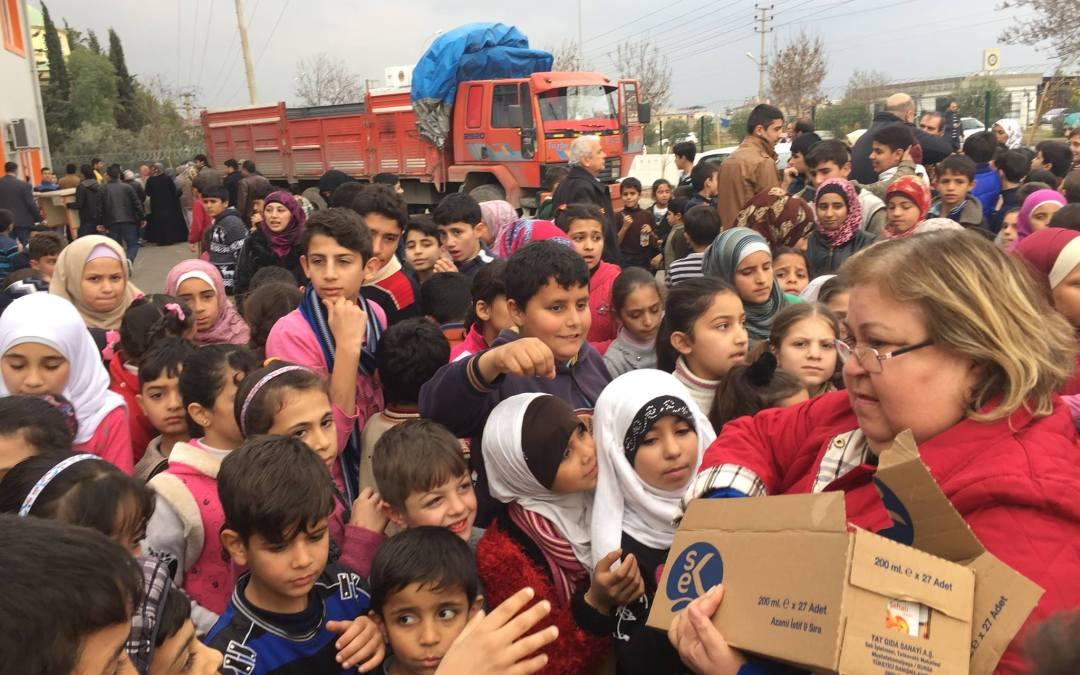 Flyktingfamiljer får hjälp