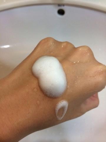 melvita的有機花粹輕柔潔面泡沫