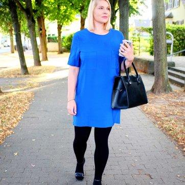 lipoedem_mode_outfit_blaueskleid_1