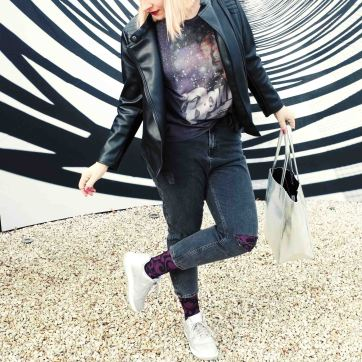 lipoedem mode david bowie space oddity beere ornaments medi muster street style silver nikes puma