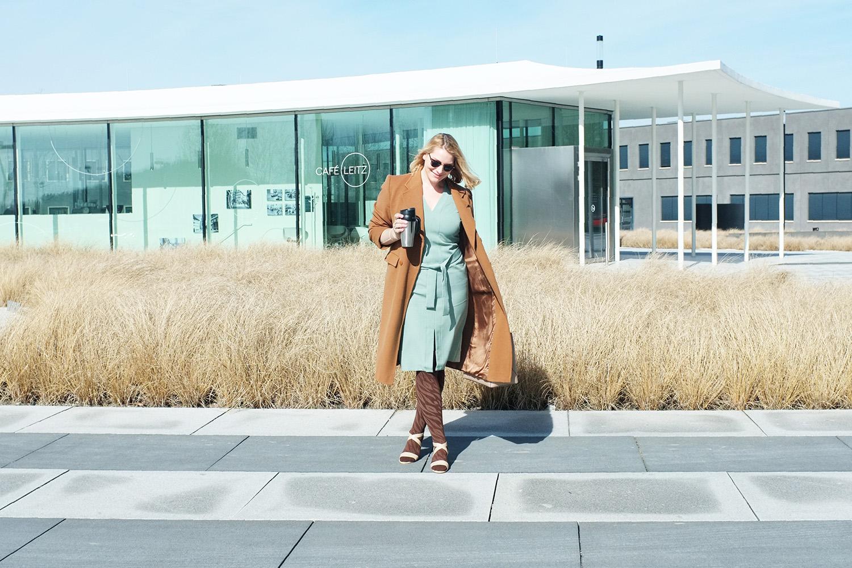 lipödem mode medi muster animal kompression outfit etui kleid burberry mantel plussize blogger