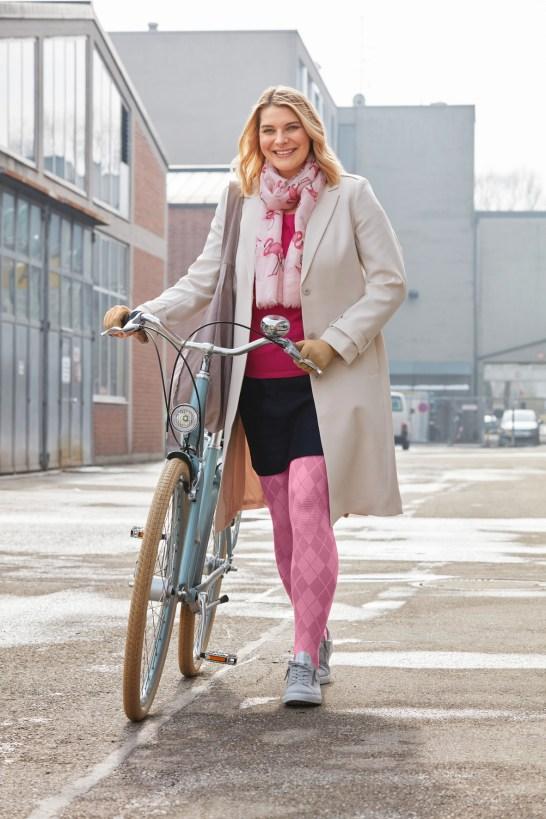 lipoedem mode medi trend colors pattern 2018 purple pink flower flat knit flatknit lipoedema lymphedema lymphoedema lipodema caroline sprott bicycle