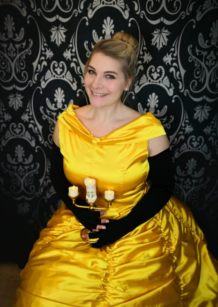 lipödem mode Märchen in Kompression belle cosplay disney kostüm