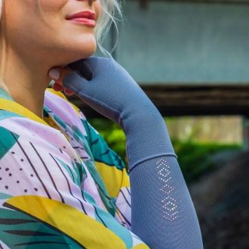 lipödem mode grau 550 strumpfhose armstrümpfe kimono plussize outfit caroline sprott