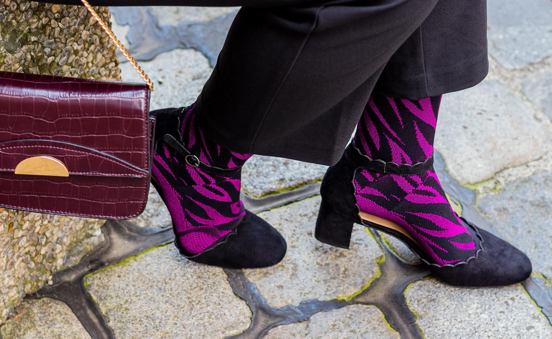 lipedema fashion buisness look plus size caroline sprott medi animal berry lymphedema compression tights arm socks