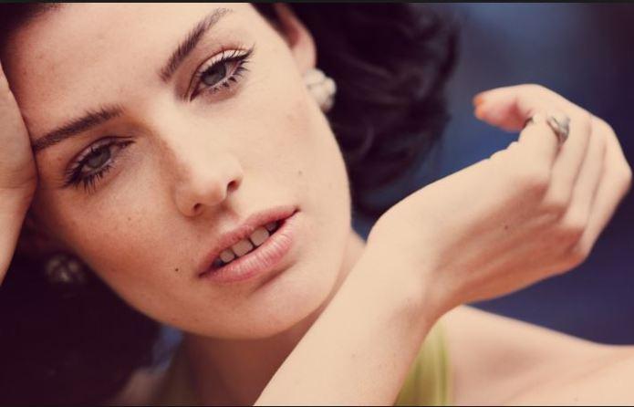 Megan hand model pix