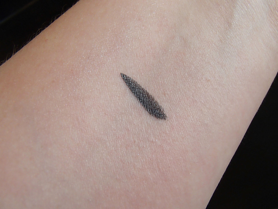 Long-Lasting Eye Shadow by rouge bunny rouge #13